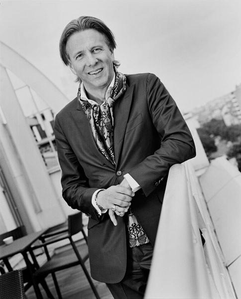 法国都彭集团主席:Alain Crevet