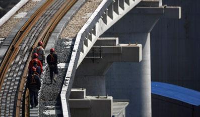 2010年3月11日,上海,京沪高铁建设工地。