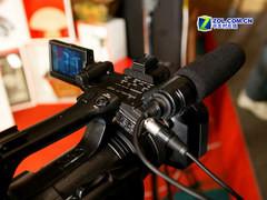 索尼3CMOS专业摄像机 Z5C送原装摄影灯