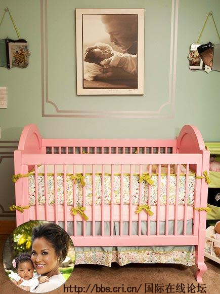 LAILA ALI 家的婴儿房