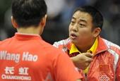 图文:[乒乓球]世界杯团体赛 刘国梁指导王皓