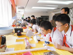 2011南宁市青少年科技创新大赛作品展昨开幕图片