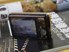 图为:索尼W570相机