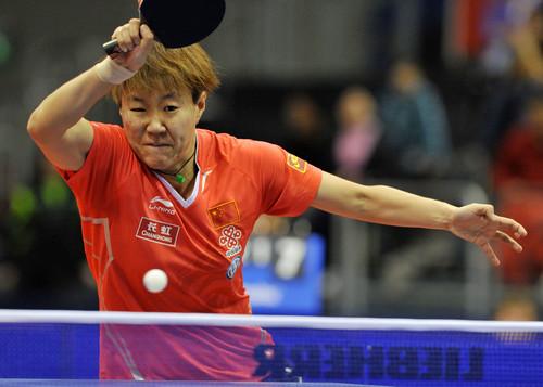 中国选手郭焱在比赛中回球。她以3比0战胜日本选手平野早矢香。
