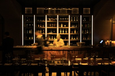 上海新发展亚太万豪酒店Dome餐厅提供顶级牛排及红酒