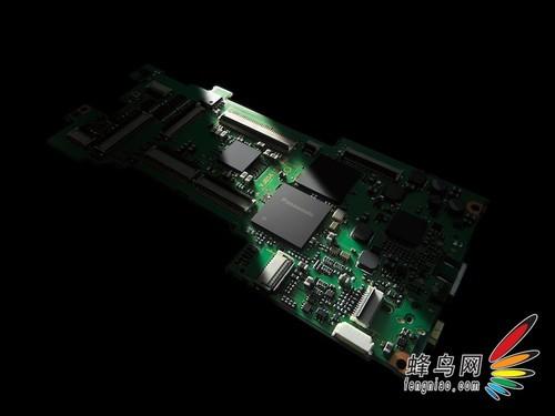 松下可换镜头高端相机新品DMC-GX1采用全新的维纳斯图像修正引擎