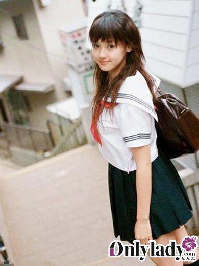 日本女空间_揭开日本女生校服的秘密(组图)