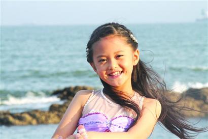 8岁幼女qvod_13岁女孩泳衣图片展示_13岁女孩泳衣相关图片下载