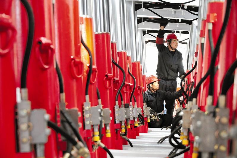 阳泉贴吧阳煤集团_阳煤集团技术人员检测煤矿综采液压支架(图)-搜狐滚动