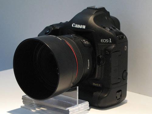 图为:佳能 EOS 1Ds Mark III(单机身不含镜头)