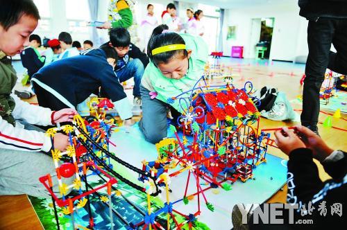 全市中小学生开展模型构建创意赛图片