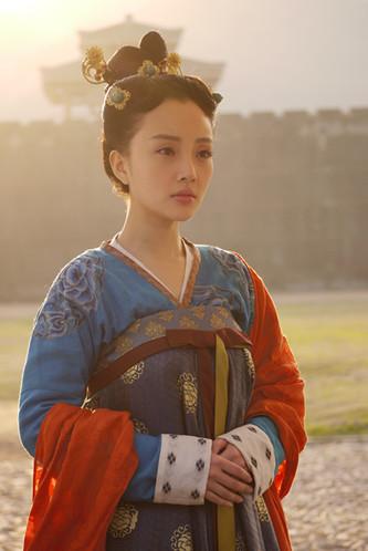 李小璐为《美人天下》重穿古装