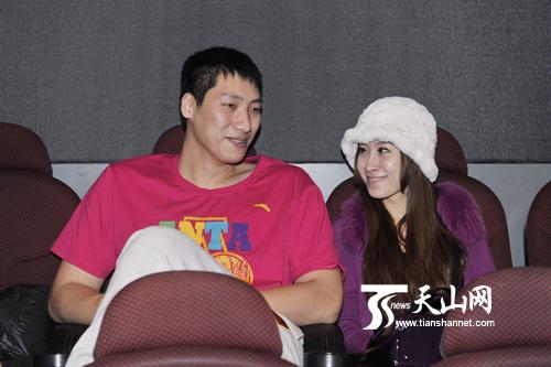 唐正东与爱妻聊天
