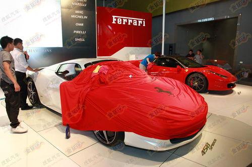 法拉利458敞篷版展馆内曝光