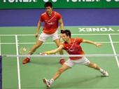 图文:香港羽毛球公开赛赛况 蔡赟跨步回球