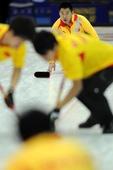 图文:太平洋赛中国男壶惜败 刘锐在比赛中