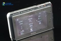 图为:索尼卡片机TX10