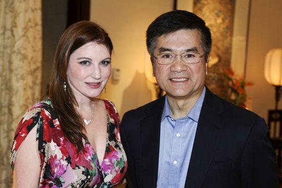 凯瑞和美国驻华大使骆家辉
