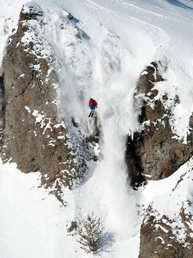 """极限运动窒息瞬间:攀冰者""""劫后重生"""""""