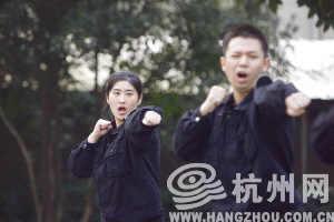 杭州市人民警察学校,新学员在训练中。记者 胡聪 摄
