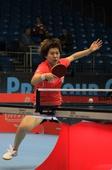 图文:国际乒联总决赛首日 李晓霞在比赛中