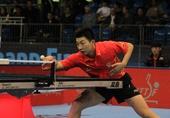 图文:国际乒联总决赛首日 马龙在比赛中