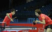 图文:2011国际乒联总决赛 抓拍郭跃发球