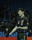 图文:2011国际乒联总决赛 张继科无奈