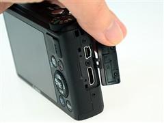 USB/HDMI高清输出接口和电池仓、SD卡插槽