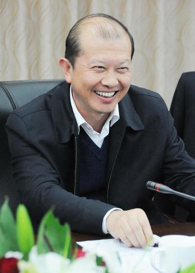 湖北省副省长张通在会上。