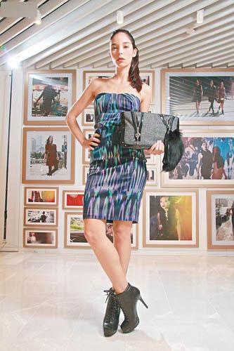 KAREN MILLEN紫蓝色图案裙$2,800