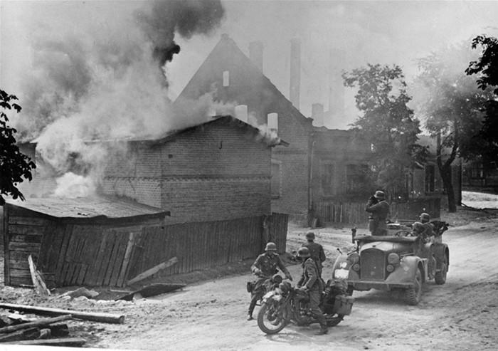揭秘:纳粹德国入侵波兰拉开二战序幕(组图)