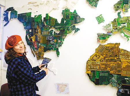 英国当代艺术家_英国牛人艺术家制作电路板世界地图