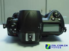 单反中的顶级搭配 尼康D3X+24-70mm镜头