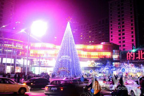 崇文门新世界 京城最高圣诞树