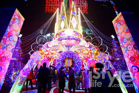 """朝阳大悦城""""糖果王国"""" 引领京城圣诞狂欢"""
