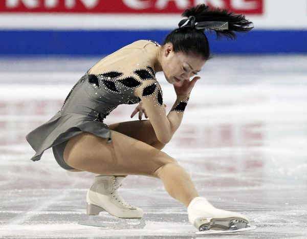 图文:总决赛女单短节目 铃木明子旋转