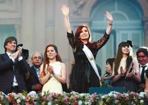 阿根廷美女总统成功连任图