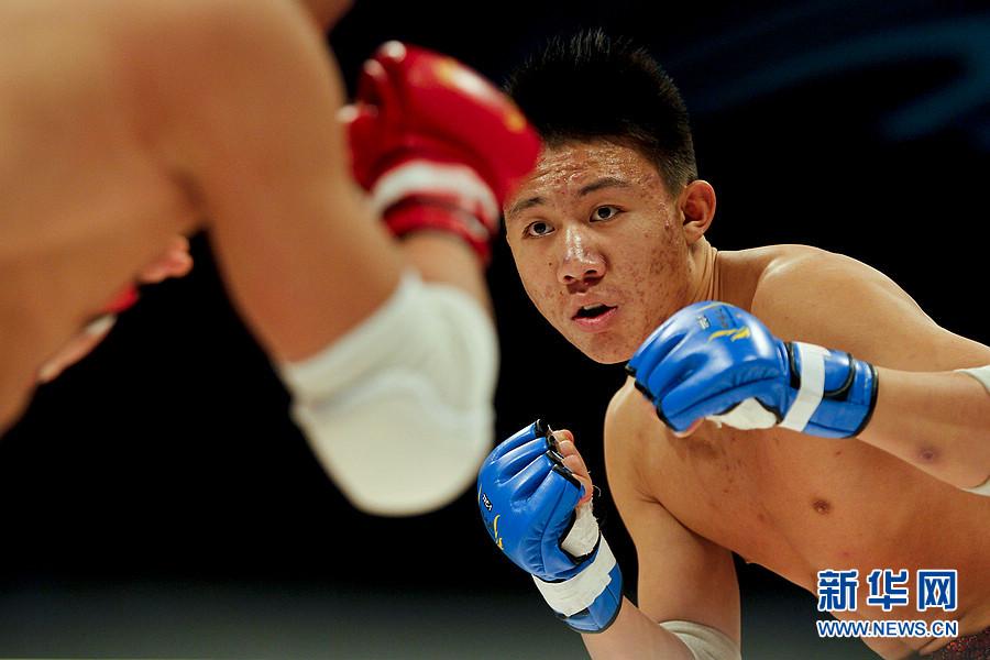 ...武术搏击王者争霸赛第十场的比赛在北京石景山体育馆举行,来...