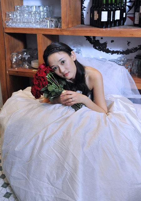《倾城之泪》陈乔恩婚纱拍摄现场花絮