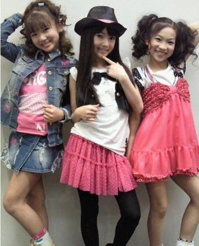 日本小学女生热衷超龄早熟打扮 性感程度令人咋舌 ...