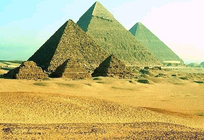 埃及吉萨金字塔群