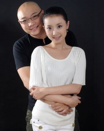 王小节_近日传出央视知名记者王小节孕装照,不少人感到意外