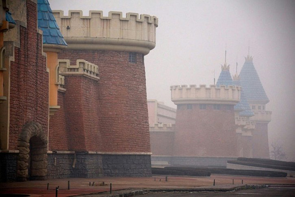 阴霾下的城堡