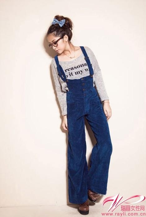 横条纹针织衫mix破洞牛仔阔腿裤绝对是摩登女郎的必要搭配.
