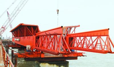 平潭海峡大桥复桥首套(西引桥)移动模架拼装成功(图)图片