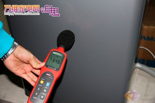 小结:此次洗涤程序脱水的噪音指数为64.5分贝。(由于分贝数不断变化中,取最大值)