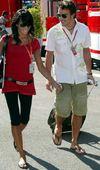 组图:阿隆索与歌星妻子离婚 亲密时光已成历史