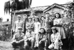 部分俘管处英文干部归国后摄于北京(图片来源:人民政协报)