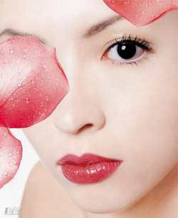 会伴有眼睛红、耳前淋巴结肿大等表现.   5.血性分泌物